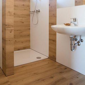 Badezimmer vom tischler wohnraum for Led ideen badezimmer